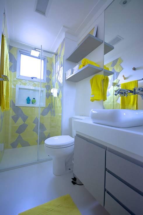 Baños de estilo moderno por Veridiana França Arquitetura de Interiores