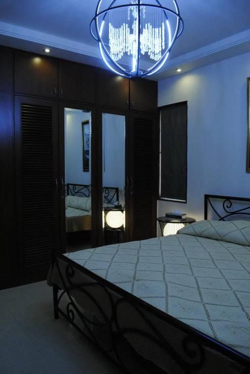 modern Bedroom by Construction Associates