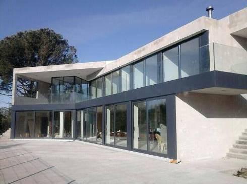 Vista do Terraço: Casas modernas por Idealiving