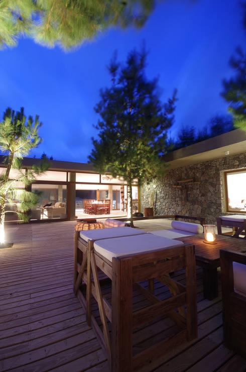 Casas de estilo moderno por LUCAS MC LEAN ARQUITECTO