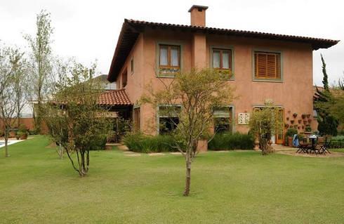 projetos: Casas clássicas por Rodrigues Moran Arquitetura e Design