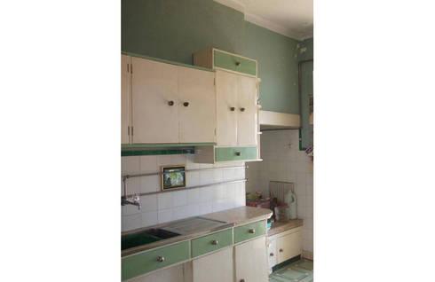 Renovação de apartamento duplex na Rua Jácome Pereira:   por Miguel Angelo Silva Unipessoal Lda
