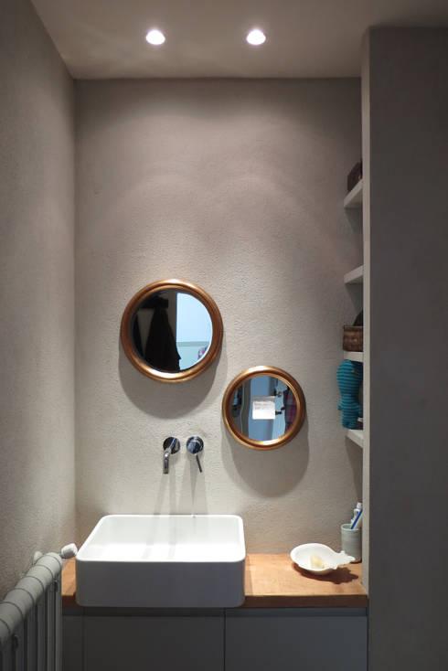 SAFFI VILLETTA: Bagno in stile in stile Eclettico di 02arch