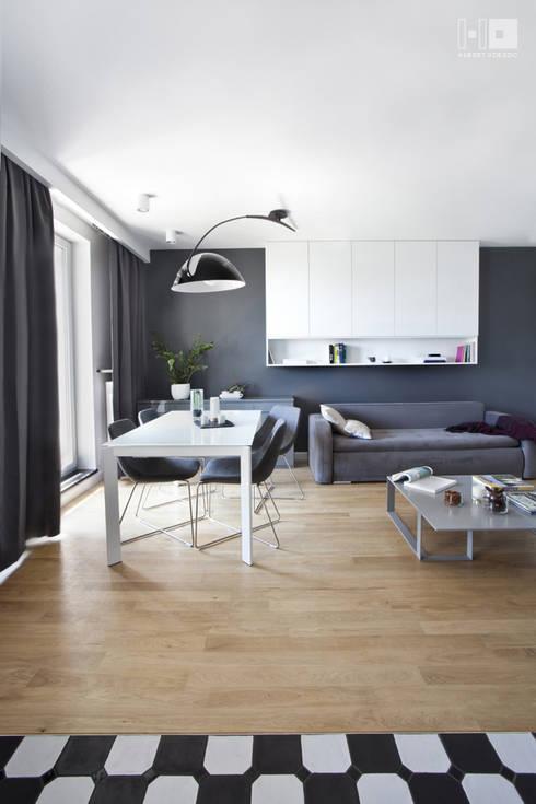 Realizacja projektu mieszkania / Warszawa: styl , w kategorii Jadalnia zaprojektowany przez Hubert Dziedzic Architektura Wnętrz