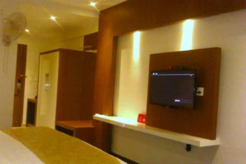 Interior Designs: modern Bedroom by Interiorwalaa