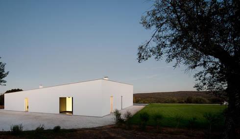 Carrilho da Graça Arquitectos:   por jlcg arquitectos