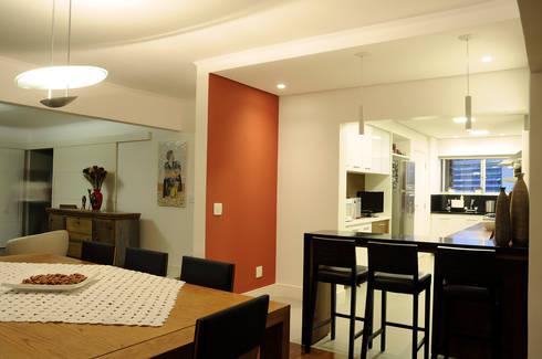 Apartamento Jardins: Cozinhas ecléticas por Politi Matteo Arquitetura