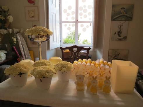 Baptizado em tons de Amarelo : Casa  por MB Design de Interiores