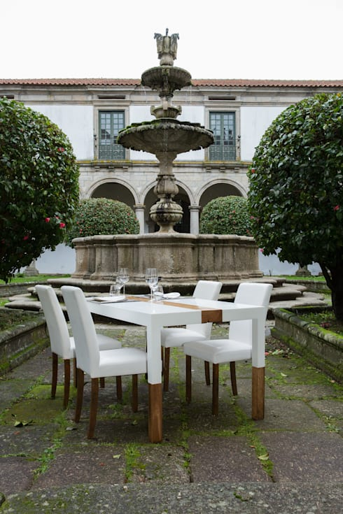 Mesa de Jantar: Sala de jantar  por Sunpor Energias de Portugal,Lda
