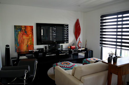 Reforma – Rua Jupter: Salas de estar ecléticas por MEM Arquitetura