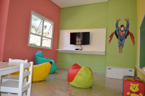 Brinquedoteca – Edif. Residencial.: Quarto infantil  por MEM Arquitetura