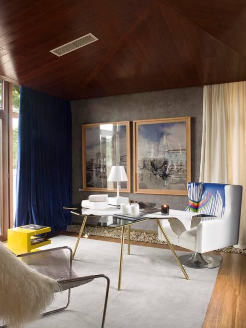 Estudios y despachos de estilo  por SA&V - SAARANHA&VASCONCELOS