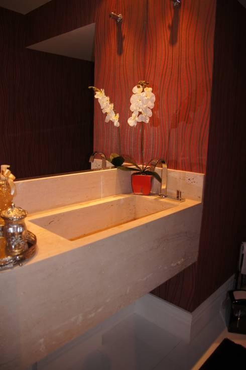 Cobertura Tatuapé – SP: Banheiro  por W.B Arquitetura