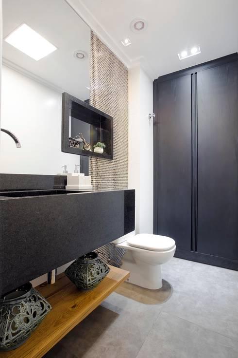 Apto. 64m²: Banheiros clássicos por Andressa Saavedra Projetos e Detalhes