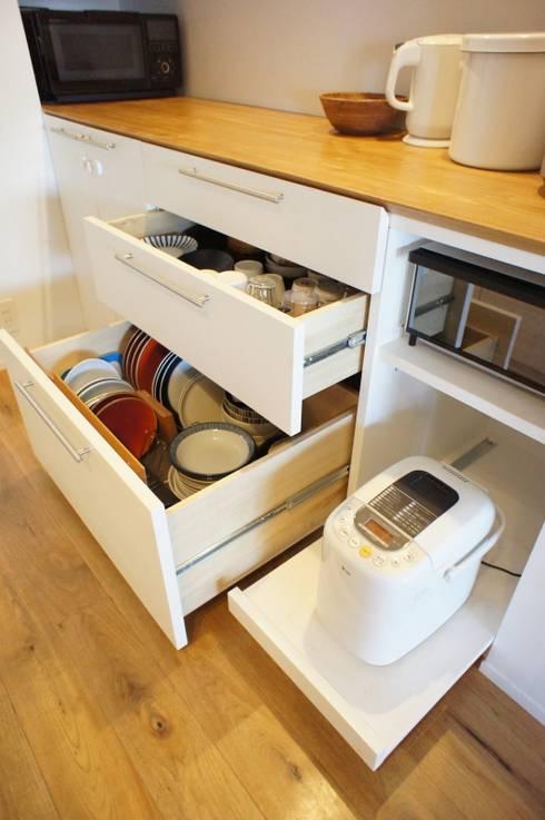 都島のマンションリフォーム: ニュートラル建築設計事務所が手掛けたキッチンです。