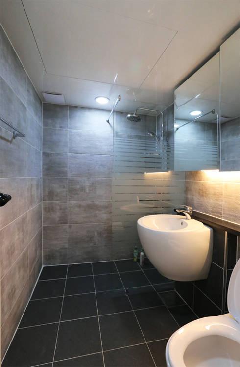 인천 우성아파트 24평 인테리어 : 금화 인테리어 의  욕실