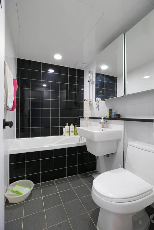 인천 삼산동 산삼타운 21평 : 금화 인테리어 의  욕실