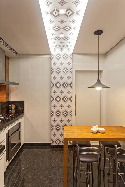 Cocinas de estilo moderno por Laura Santos Design