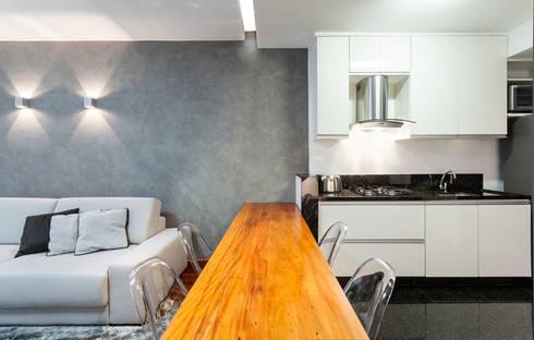 Loft Duplex: Salas de jantar modernas por Laura Santos Design
