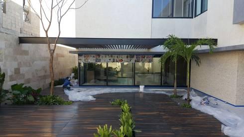 Aplicacion de microcemento en paredes exteriores de jardin de marlux import homify - Microcemento para exterior ...