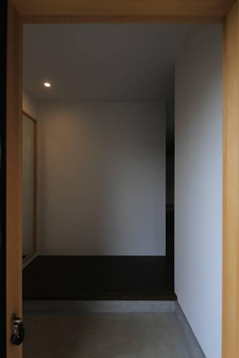 早田雄次郎建築設計事務所/Yujiro Hayata Architect & Associates의  복도 & 현관