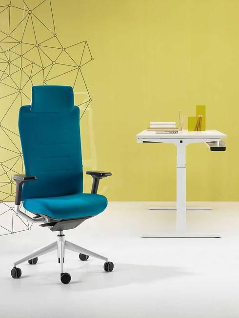 Studio in stile in stile Moderno di Alegre Design