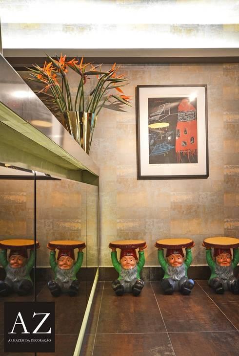 Bilheteria - Casa Cor Goias 2015: Corredores e halls de entrada  por TOLENTINO ARQUITETURA E INTERIORES
