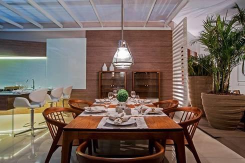 Cozinha Gourmet : Salas de jantar modernas por M.A.I.S. - Management. Architecture.Interior. Solutions