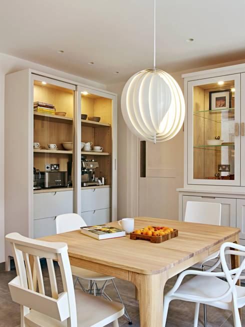 Cozinha  por Holloways of Ludlow Bespoke Kitchens & Cabinetry
