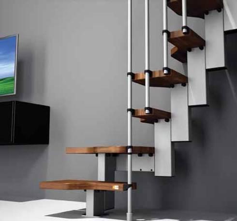 Escalera mini de 60.5cm : Vestíbulos, pasillos y escaleras de estilo  por Rintal
