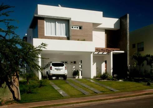 Fachada: Casas modernas por WB Arquitetos Associados