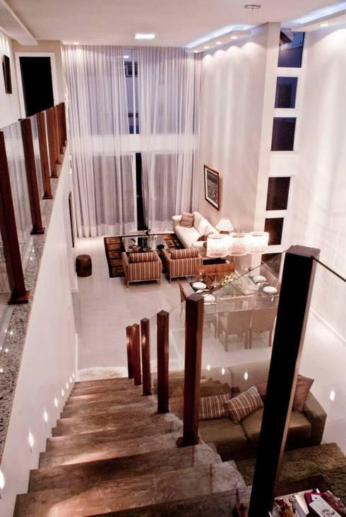 Living / Sala de Estar: Salas de estar modernas por WB Arquitetos Associados