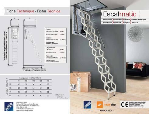 Ideal para Áticos o Tapancos: Vestíbulos, pasillos y escaleras de estilo  por Rintal