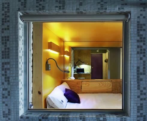 Bonampak : Recámaras de estilo moderno por DIN Interiorismo