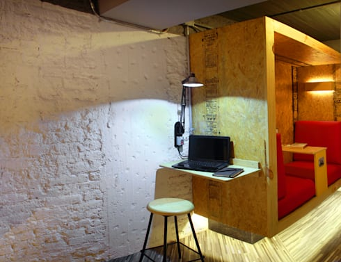 Bonampak : Estudios y oficinas de estilo moderno por DIN Interiorismo