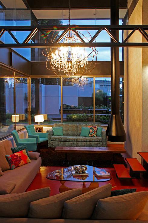 Casa Begalg : Salas de estilo moderno por DIN Interiorismo