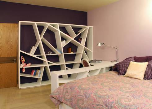 Casa Uliva: Recámaras infantiles de estilo moderno por DIN Interiorismo