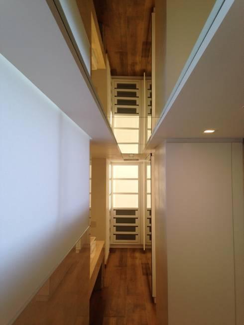 PH – LA ARBOLADA: Baños de estilo minimalista por PA - Puchetti Arquitectos