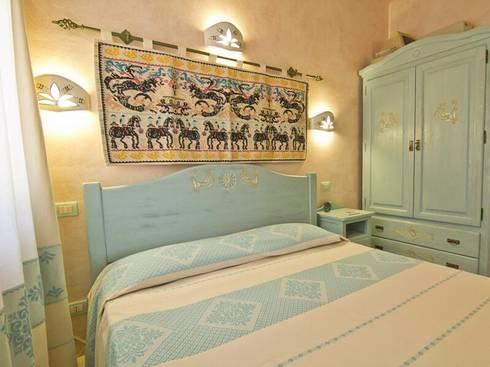 Camera da letto collezione sardegna bruno mandis mogoro for Arredamento sardo