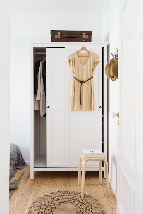 Remodelação de apartamento: Closets  por Architect Your Home