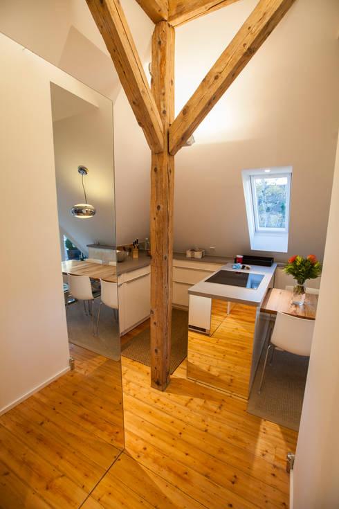 Projekty,  Kuchnia zaprojektowane przez Fang Interior Design