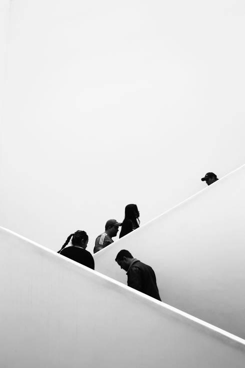 Endless: Pasillos y vestíbulos de estilo  por Gabriel Gomez Photography