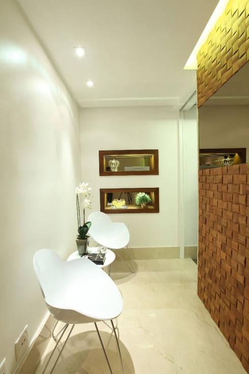 Estudios y oficinas de estilo rústico por TOLENTINO ARQUITETURA E INTERIORES