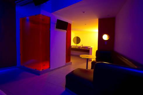 Hotel Istmo: Recámaras de estilo moderno por DIN Interiorismo