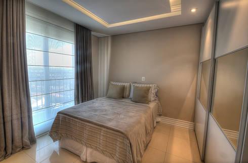 Bedroom 1: Quartos  por Pauline Kubiak Arquitetura