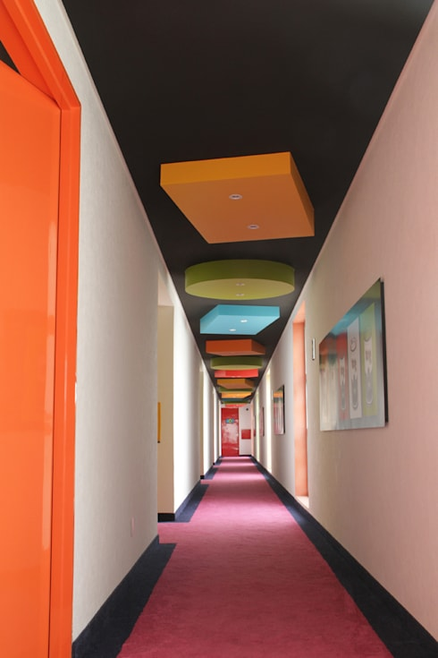 Ingresso & Corridoio in stile  di DIN Interiorismo