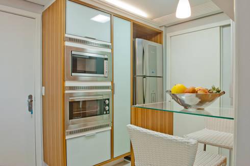 cozinha: Cozinha  por Deise Soares Estúdio de Arquitetura