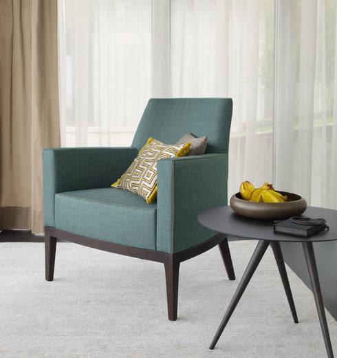 modern Living room by JUSCZYK raum+ausstattung