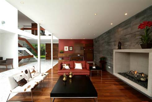 Casa A.P: Salas de estilo moderno por DIN Interiorismo