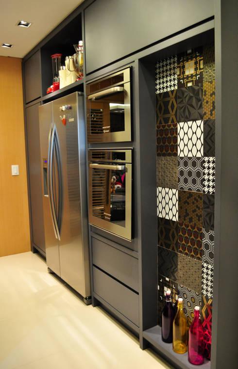 Cocinas de estilo moderno por Deise Soares Estúdio de Arquitetura